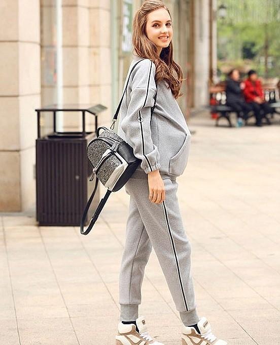 костюм-для-беременной-серый