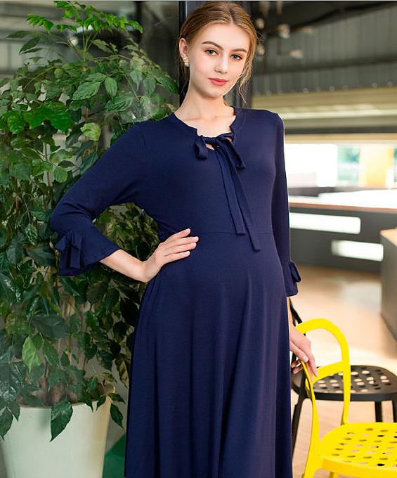 bbe97faacf5f Дизайн платья для беременных может быть самого разного формата  стильное  платье-баллон или воздушное мини-платье с завышенной талией, подчеркивающее  формы ...